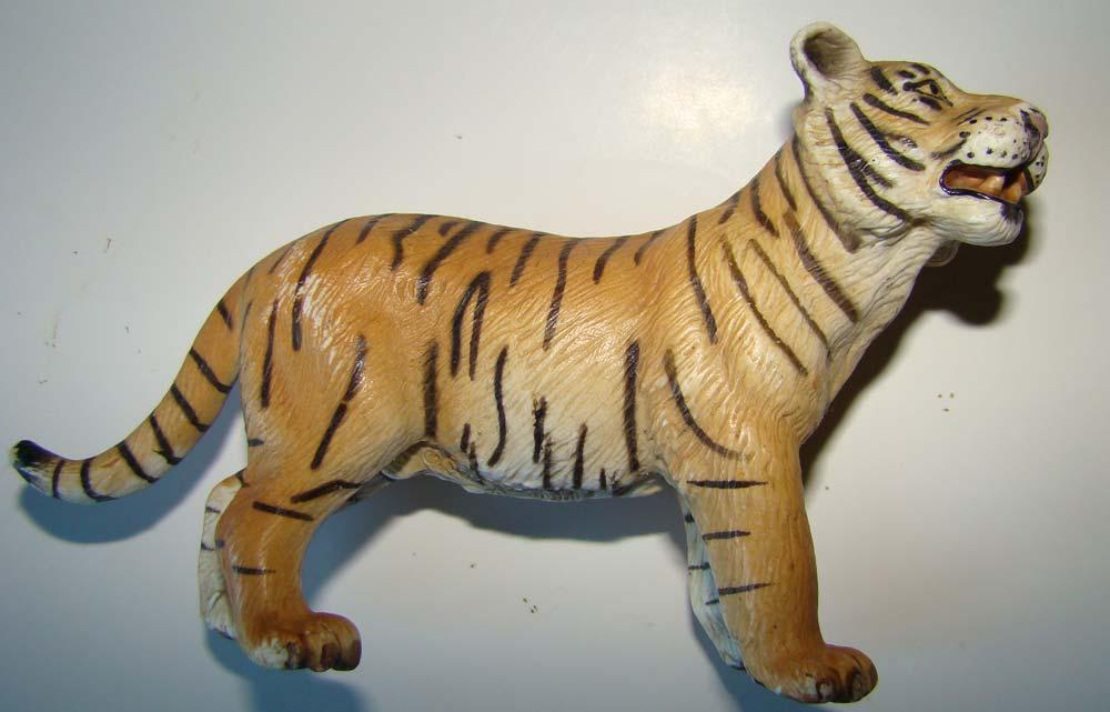 figurine de tigre