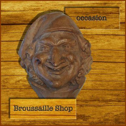 casse-noisettes-art-populaire-bois-sculpté