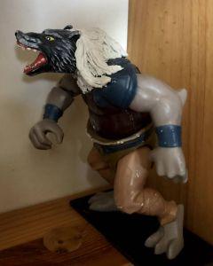 Une nouvelle transformation (corps Gargoyles© et tête de chien Action Man©)